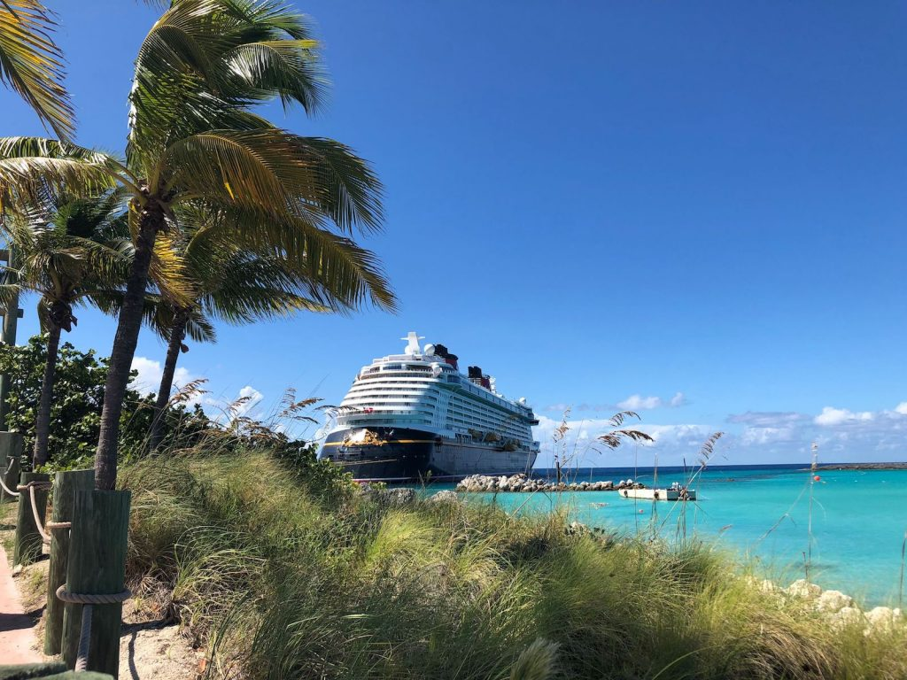 pamela sued crucero disney